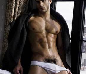 Male Naked | Ousadia e Virilidade com Todd Sanfield