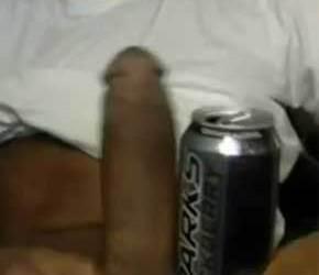 Negão 28cm gozando com punheta - Amador Monster Cock