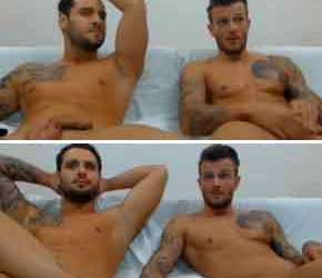 Sarro na cam com machos sarados