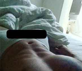 Ex-bbb mostra o pau duro no SnapGram
