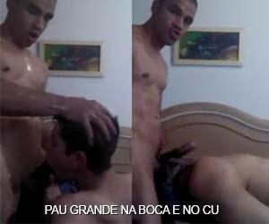 Garotão se engasga no boquete e sofre no anal - Machos Pauzudos