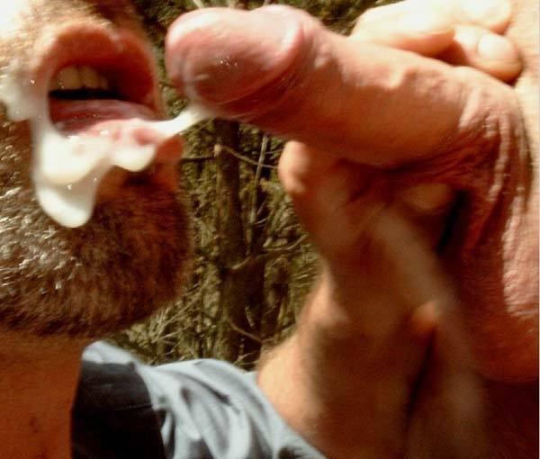 ejaculando rosto homem de barba