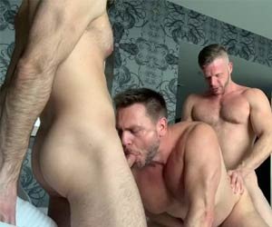 Homens maduro a três - Hans Berlin, Brian Bonds e Mason Lear