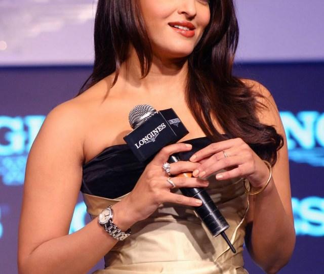 Aishwarya Rai Hot Photos Gallery July