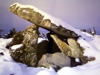 4 Stone hearth image, 12-2007, dolmen in snow