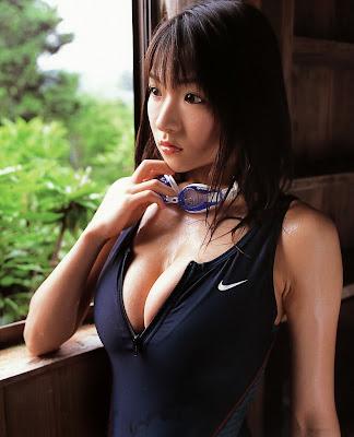 Saori Yamamoto Japanese Gravure Big Breast Idol Pictures