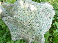 Knitpoint: laminaria - A shawl with Estonian lace stitches ...