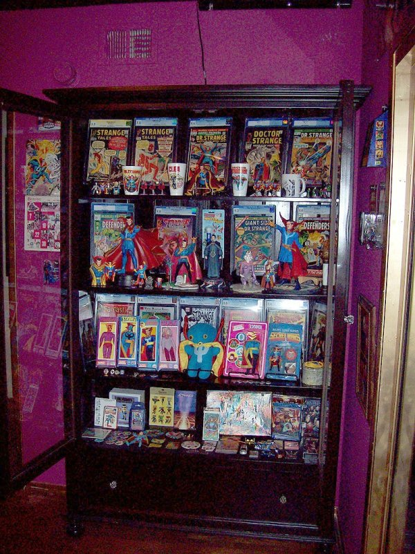 Statues And Superheroes Comic-book Storage Display