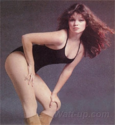 Eddie apparently has a thing for chicks that look like Valerie Bertinelli.