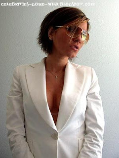 Seriously McmIllan she so ghetto posh victoria beckham look a like