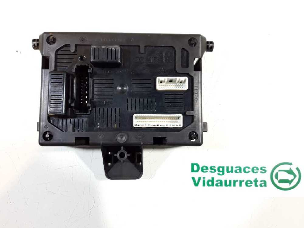 medium resolution of  fuse box 8200652284 renault clio iii br0 1 cr0 1