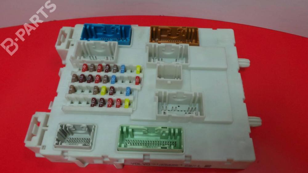 medium resolution of fuse box 31394964 1310003475 volvo v40 hatchback 525 526 d2