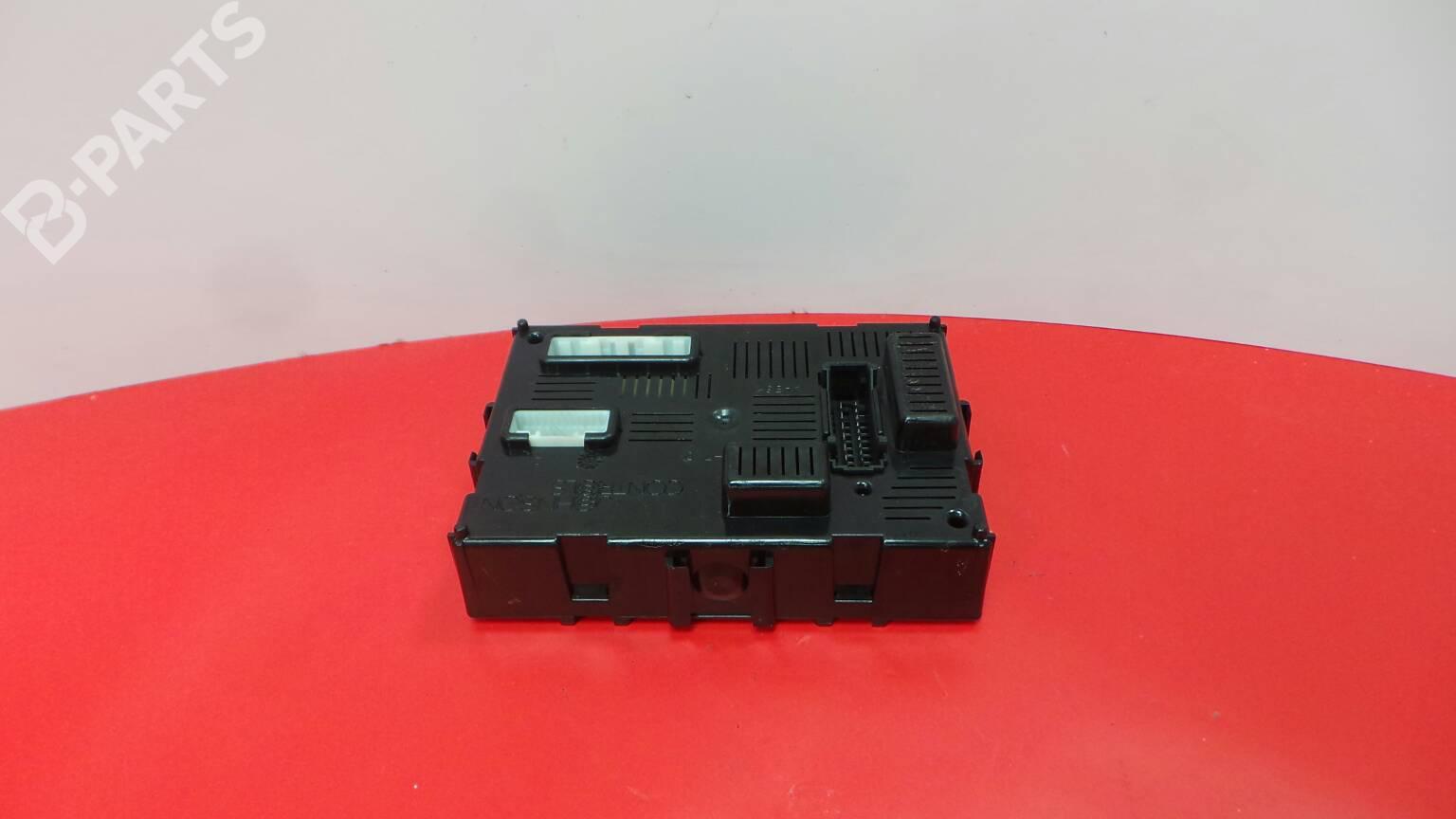 hight resolution of fuse box 8200652286 b renault clio iii br0 1 cr0