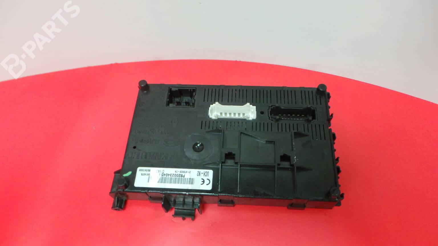 hight resolution of fuse box p8200234045a renault clio ii bb0 1 2 cb0