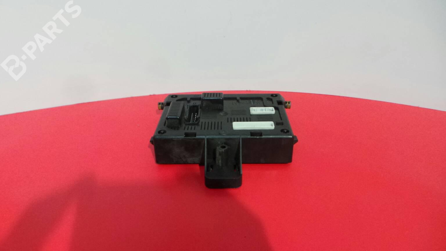hight resolution of fuse box 8200652284 28118774 7a renault clio iii br0 1