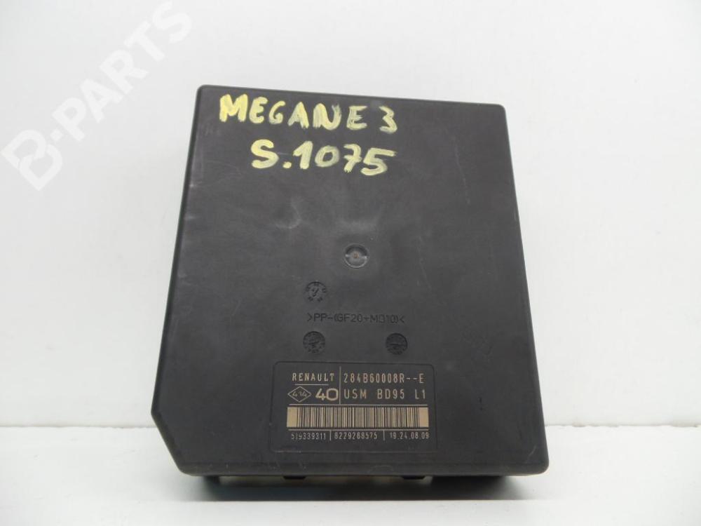 medium resolution of  fuse box 284b60008r 8229288575 51939311 usmbd95l1 renault megane iii hatchback bz0