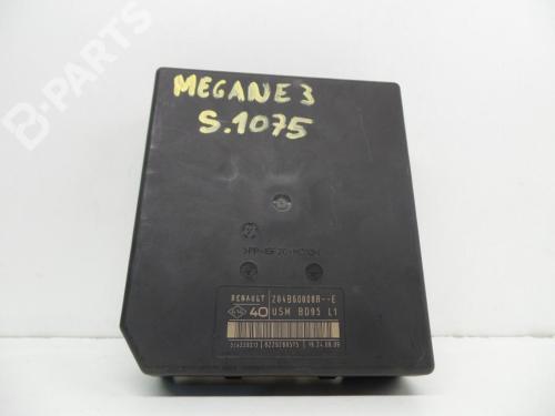 small resolution of  fuse box 284b60008r 8229288575 51939311 usmbd95l1 renault megane iii hatchback bz0
