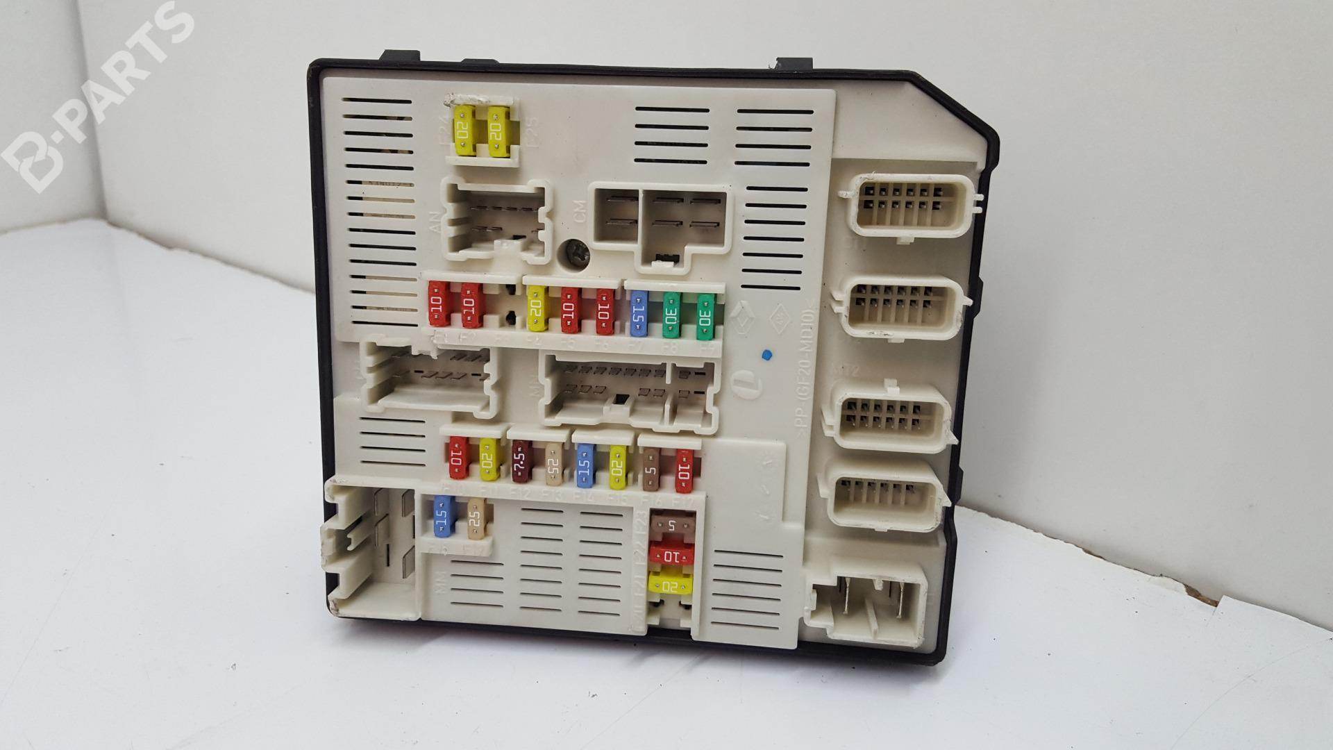 hight resolution of fuse box 284b60008r 519339311 8229349366 renault megane iii grandtour kz0 1