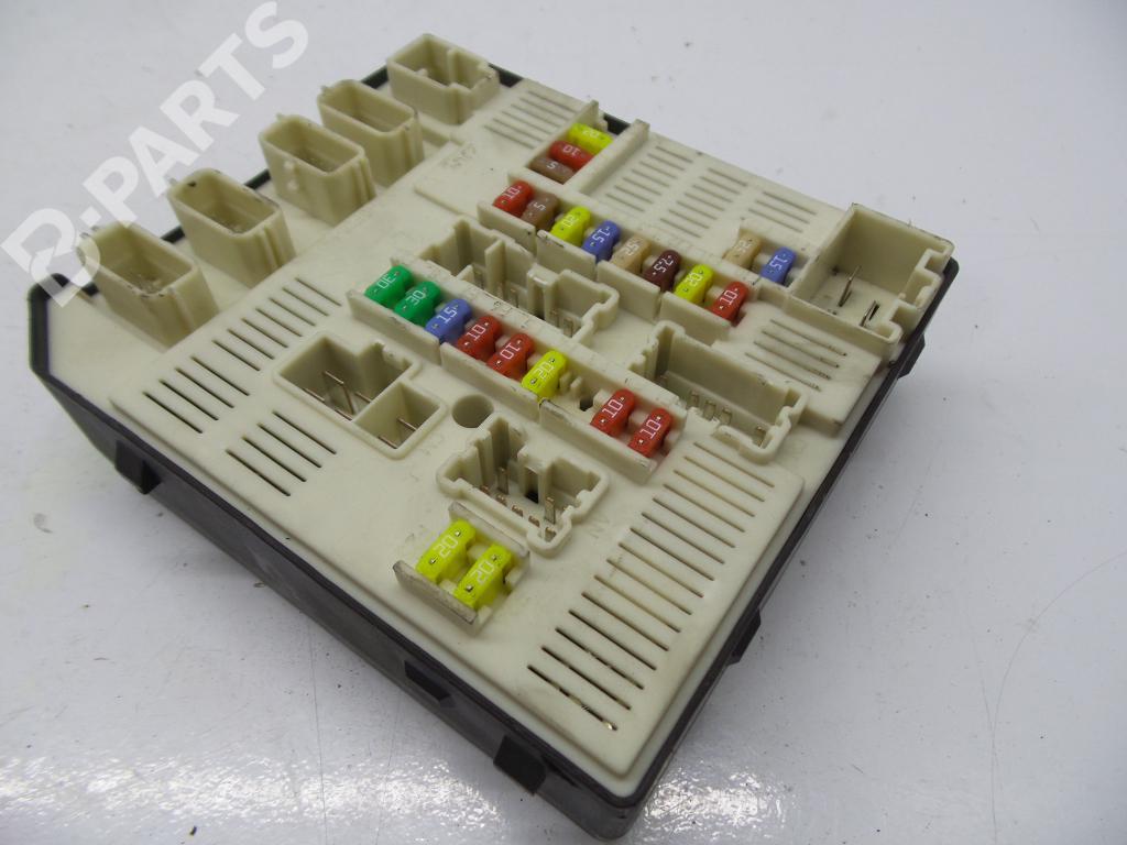 hight resolution of fuse box 284b61871r 519339402 9637467813 renault megane iii grandtour kz0 1