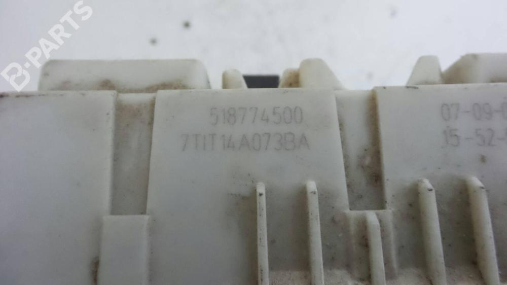 medium resolution of  fuse box 7tit 14a073 ba ford transit connect p65 p70