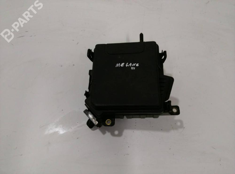 medium resolution of fuse box 284b10002r 284c40002r renault megane iii grandtour kz0 1 1 5