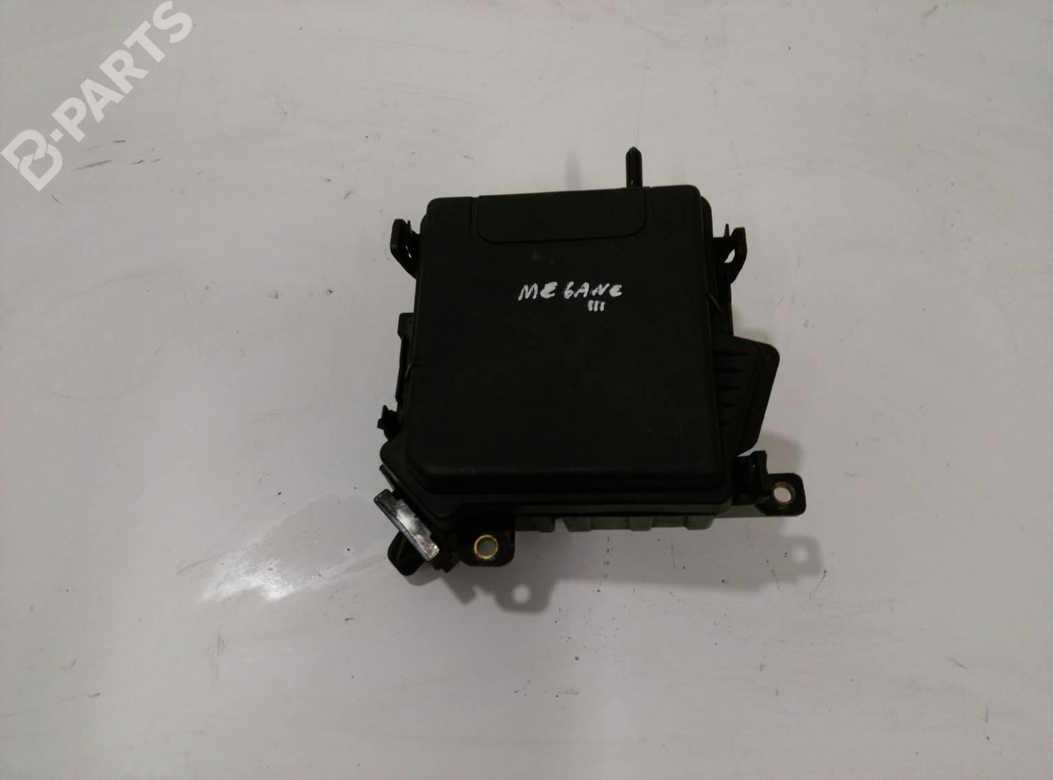 hight resolution of fuse box 284b10002r 284c40002r renault megane iii grandtour kz0 1 1 5