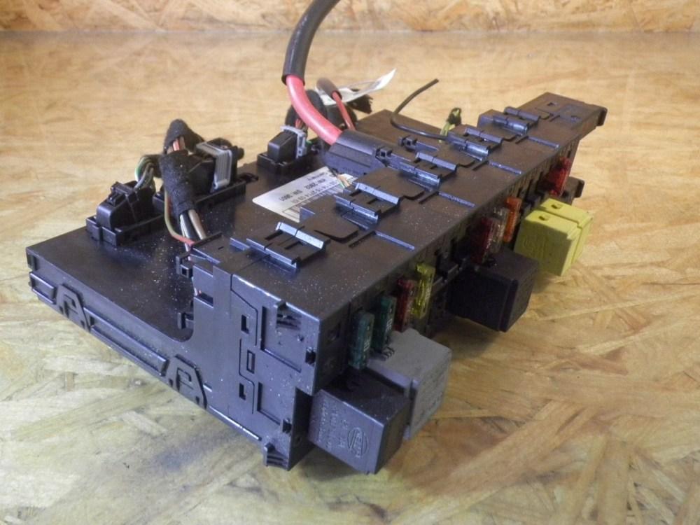 medium resolution of fuse box 2035451801 mercedes benz mercedes benz