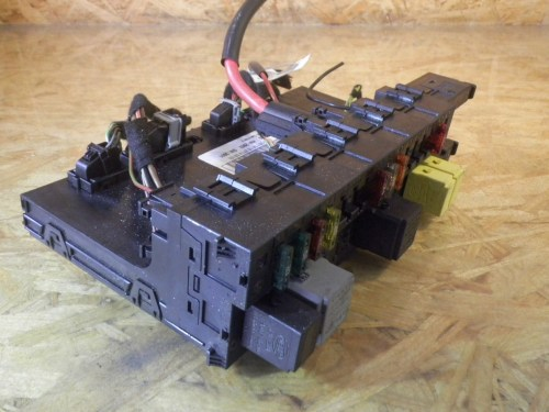 small resolution of fuse box 2035451801 mercedes benz mercedes benz