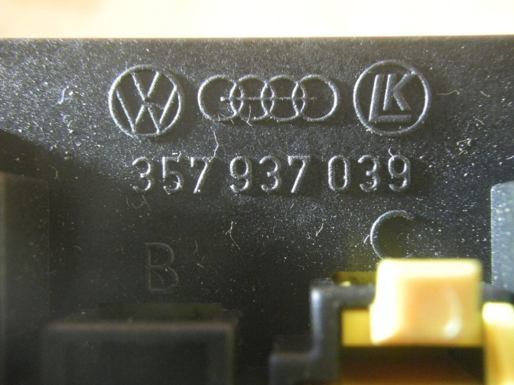 medium resolution of  fuse box 357937039 vw vw golf iii 1h1 1 8 4