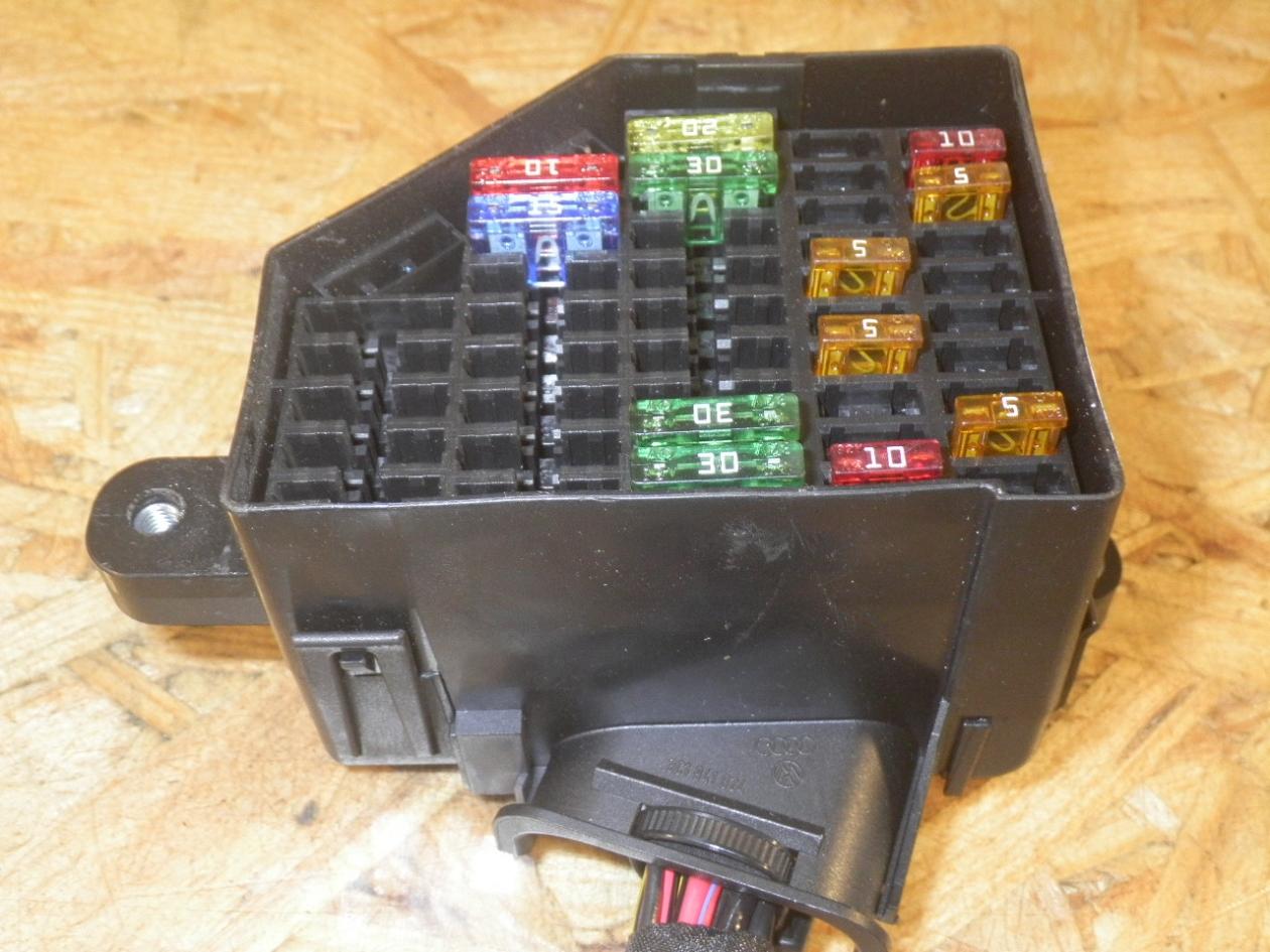 hight resolution of fuse box 3c0880204d vw vw passat variant 3c5 2 0 tdi