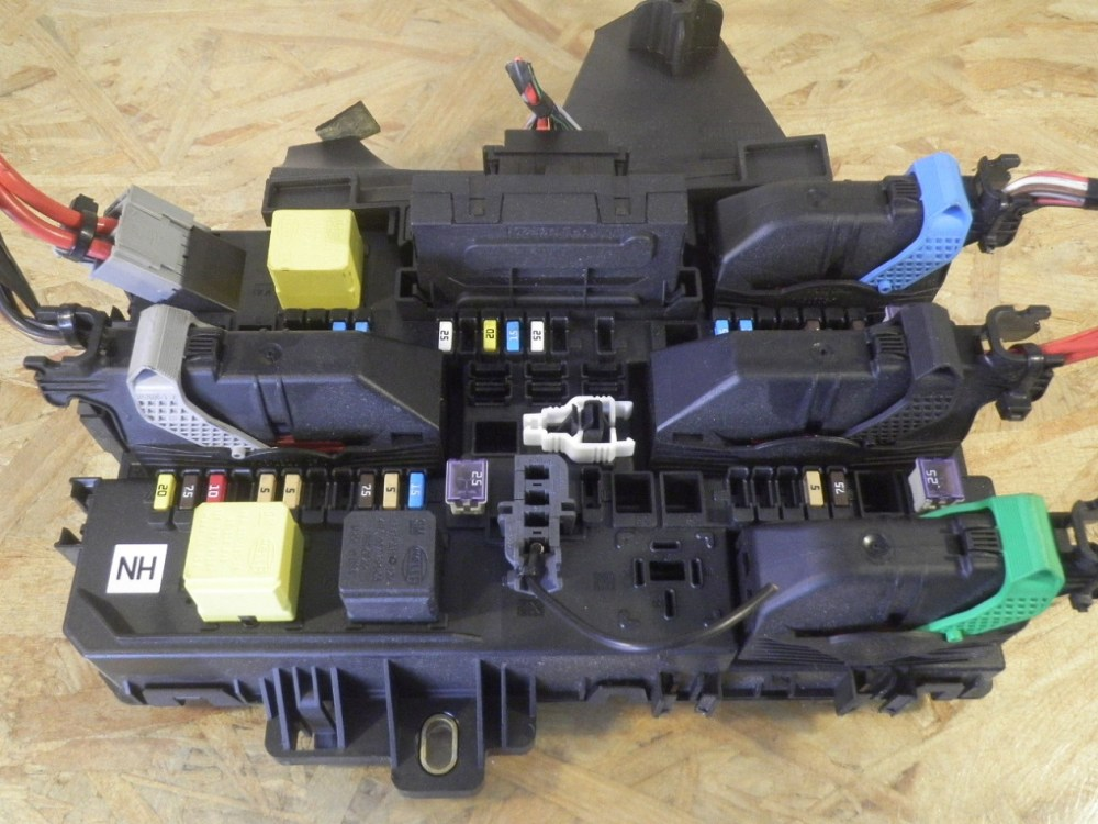 medium resolution of fuse box 13115937 opel opel astra h estate a04 1 7 cdti