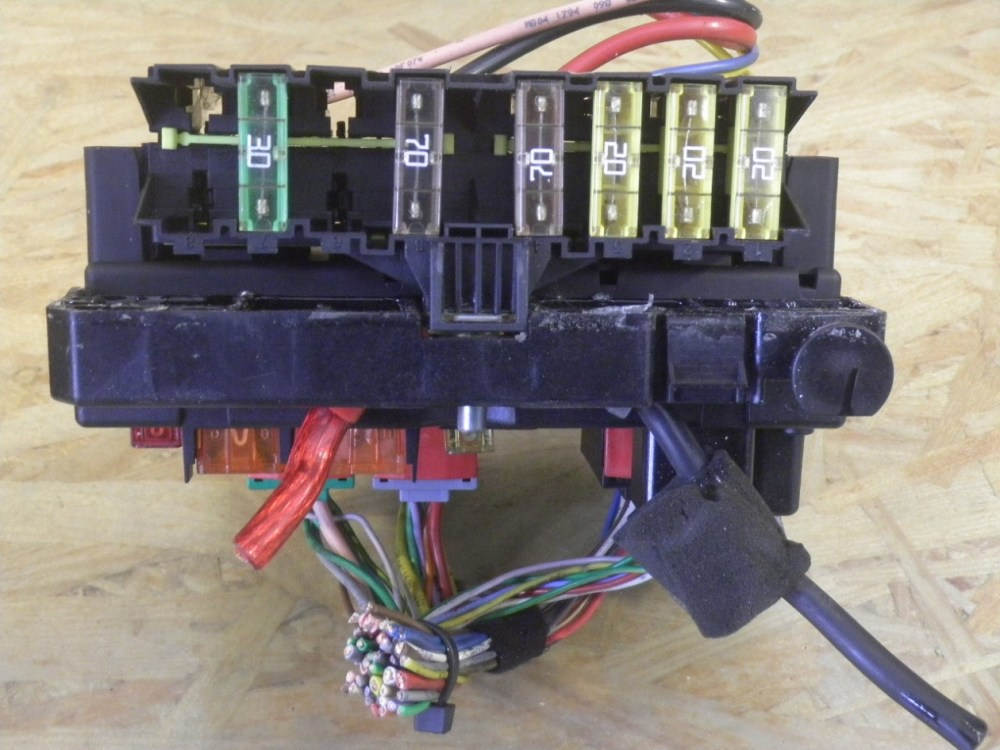 medium resolution of fuse box 9650663980 peugeot peugeot 206 hatchback 2a c 1 1
