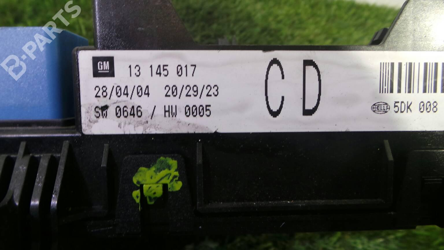 hight resolution of fuse box 13 145 017 opel astra h a04 1 7