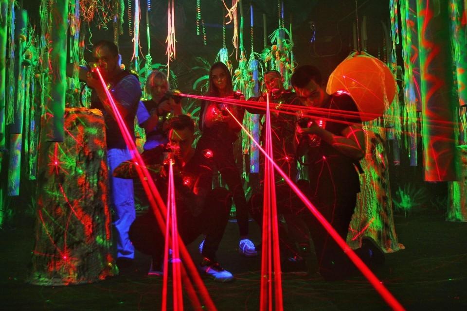 laserowy paintball i trampoliny