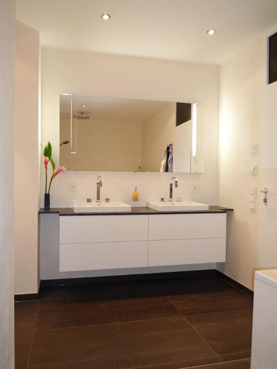 Waschbecken als Raumteiler  BPS Bucher