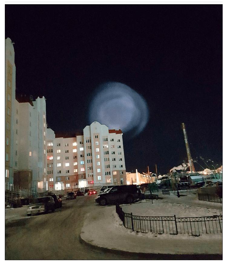 謎の発光体とロシアのミサイル発射