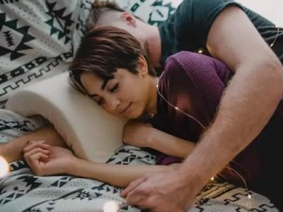 正直しんどい腕枕を攻略するアイデア枕