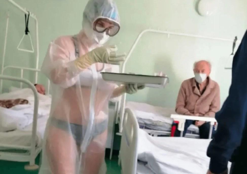 シースルー看護で解雇された美人ナースがモデルデビュー