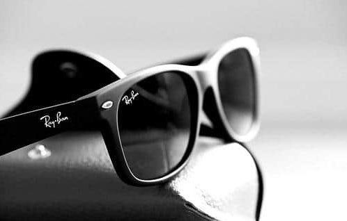 Ray-Ban Original Wayfarer vs New Wayfarer - EyeStyle - O Blog ... 93225582bfe3