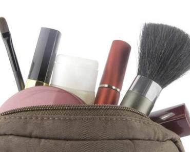 Itens que toda mulher deve ter em sua bolsa de maquiagem