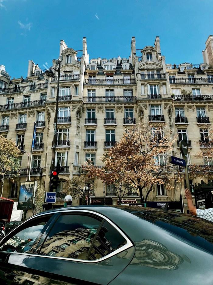 LOOK- Azul bebê em Paris camila coelho4