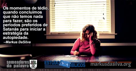 Mulher pensando escrevendo numa escrivaninha com Estudo Bíblico Estudo Bíblico - Táticas de Satanás Contra o Cristão - Satanás e o Tédio e Autopiedade - Markus DaSilva