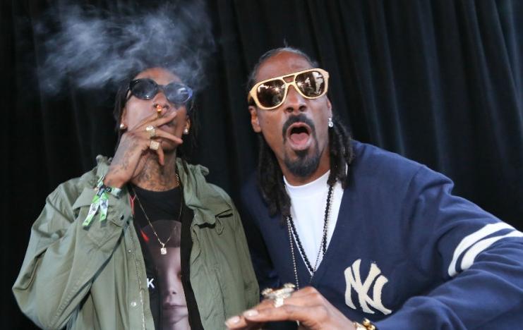 160405-Wiz-Khalifa-Snoop-Dogg-828x620