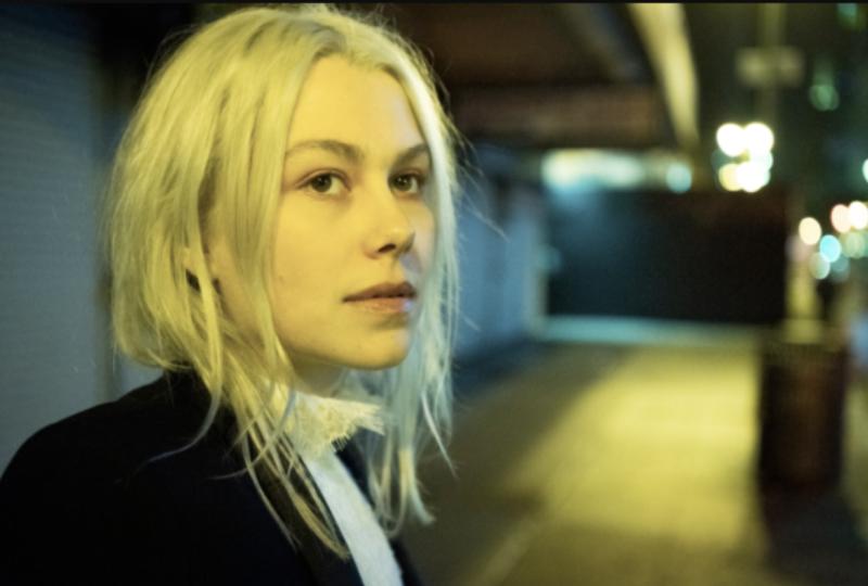 """Phoebe Bridgers mostra um lado sombrio no clipe """"I Know the End"""""""