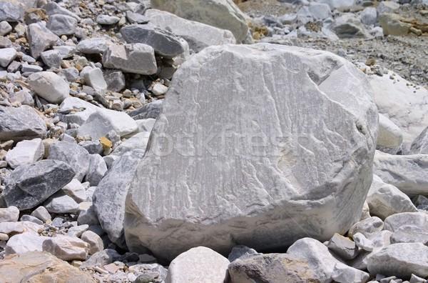 Resultado de imagem para marmore na natureza
