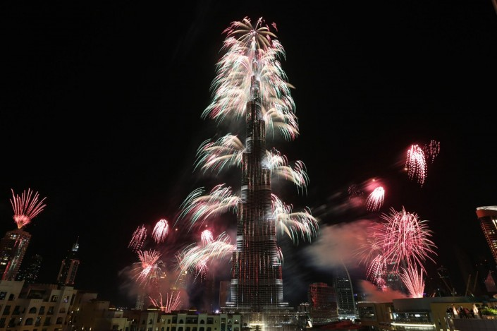 """Celebrating New Year 2014-Fireworks explode from the Burj Khalifa"""