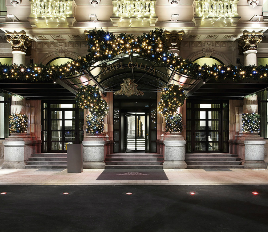 Most Luxurious Hotels With The Best Christmas Window Display Ideas