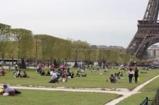 파리 사람들은 밖을 좋아한다.