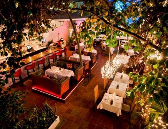 outdoor-dining-00dkfnkdjabf