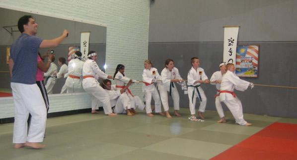 Tug of war (aikido style)